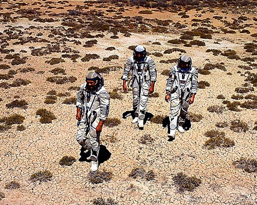 Jacek Palkiewicz and the Cosmonauts desert survival training