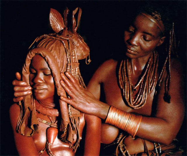 Photos from Jacek Palkiewicz's journey to Africa and the Himba tribe 24