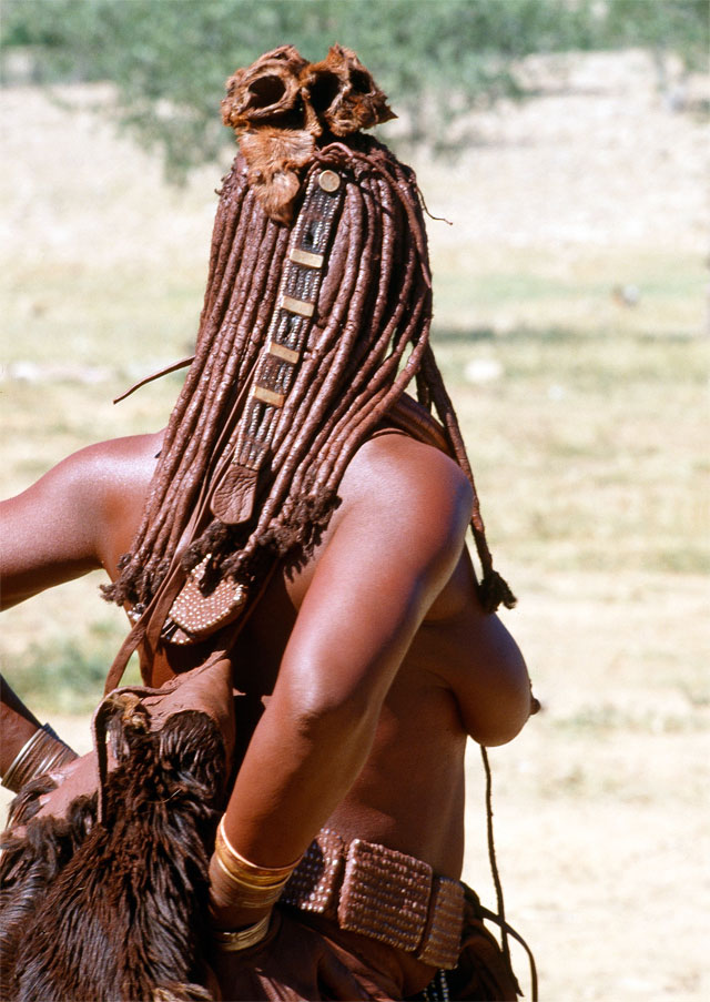 Photos from Jacek Palkiewicz's journey to Africa and the Himba tribe 28
