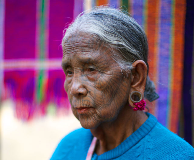 Photo album Tattooed women of Burma 25 - Jacek Palkiewicz